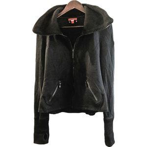 3/$500 - Black Burberry Sport zip sweater jacket